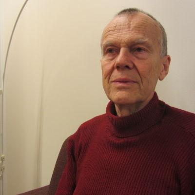 """Major Boris Wilander berättar om boken """"Från Raseborgs slott till Nylands brigad"""""""