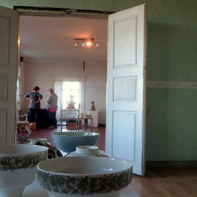 kermikutställning i Borgå