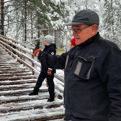 Rauman Lapin Linnavuoren talkoilla rakennetut kuntoportaat.