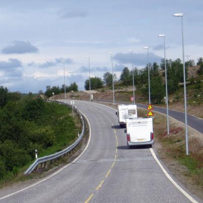 Matkailuautot liikenteessä Norjassa