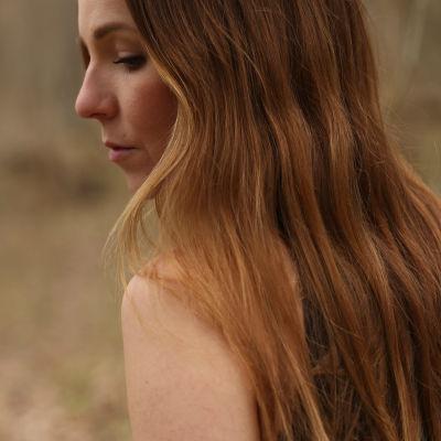 Profilbild av Nina Lassander som går med artistnamnet ANVA.