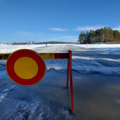Kuopion Vaajasalon jäätie.