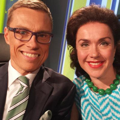 Samlingspartiets EU-valskandidater Alexander Stubb och Lisa Sounio-Ahtisaari i Yle Fems kandidatdebatt den 20 maj 2014.