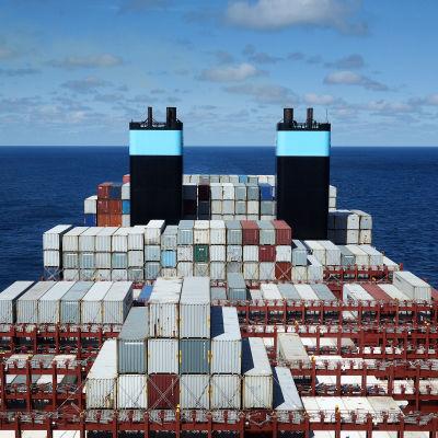 Kuka hallitsee valtameriä, syväväyliä sekä suursatamia? Kuka päättää niiden käytöstä?