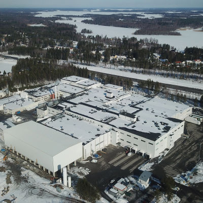 Kuvassa Snellmanin tuotantolaitokset ilmasta käsin