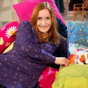 Linda Bondestam med 2018 års julkalender.