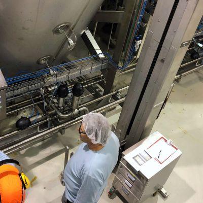 Sooci Oy valmistaa 4000 litran kattiloissa kastikepohjia ja liemiä Liperin Ylämyllyllä