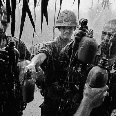 Philip Jones Griffithsin valokuvat Vietnamin sodasta toivat maailman tietoisuuteen sodan inhimilliset kärsimykset.