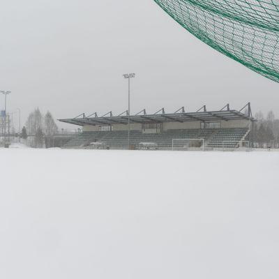 Kajaanin jalkapallokenttä toukokuun alussa 2019.