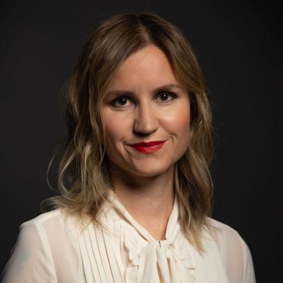Kirjailija Sisko Savonlahti