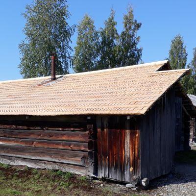 Sarvijoen uittomaja Lieksan Pielisen museossa.