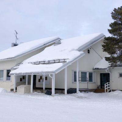 Bealdovuomi skuvla Peltovuoman koulu Enontekiö