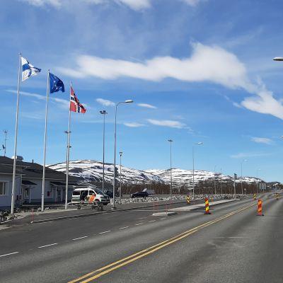 Norja poistaa maanantaista lähtien matkustusrajoitukset Suomesta Norjaan.
