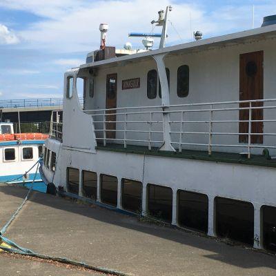 Risteilyt Pielisjoelle ja Pyhäselälle lähtevät Joensuun satamasta.