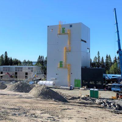 Green Fuel Nordicin bioöljynjalostamo Lieksan Kevätniemessä on pian valmis tuotannon testaukseen.