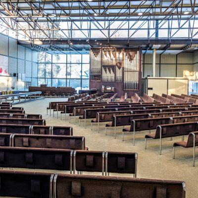 Kouvolan kirkon sali