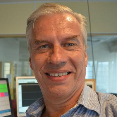 Stefan Härus är redaktör och arbetar för Svenska Yle