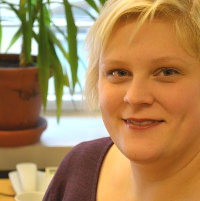 Erica Vasama är redaktör och arbetar för Svenska Yle - Radio Vega Östnyland.