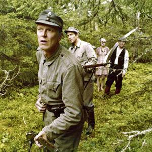 Paavo Piskonen elokuvassa Vartioitu kylä 1944 (1978).