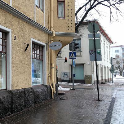 Matkavekan toimisto Valtakadulla Lappeenrannassa.
