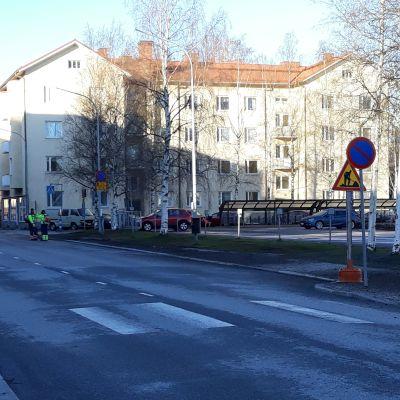 Torikadun bussipysäkki virastotalon edessä ei ole käytössä Joensuussa.