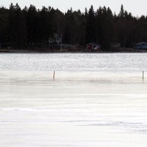 Larsmosjön i väntan på öppet vatten