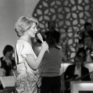 Ritva Oksanen laulaa Interviisujen karsinnoissa 1979