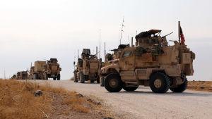 Amerikanerna som dras bort från Syrien stationeras i stället i västra Irak