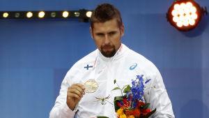 Trots skadan lyckades Antti Ruuskanen ta medalj i EM i friidrott i juli.