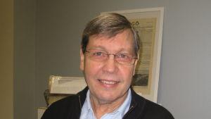 Tomy Karlsson, lokalhistoriker från Hangö.