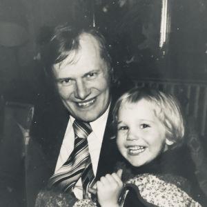 Eva Kela och hennes pappa