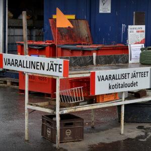 Insamlingsstation för farligt avfall.