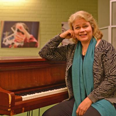 Johanna Fernholm är ny biträdande rektor för Vanda musikinstitut.