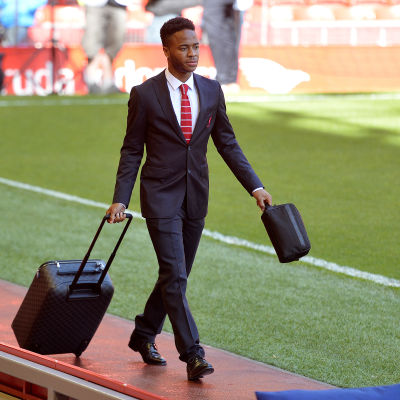 Sterling har packat resväskan.