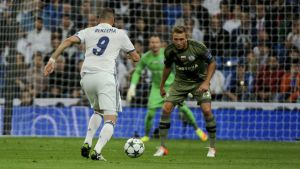 Karim Benzema med bollen