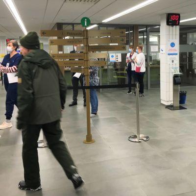 Vastaanottoaula Lahden kaupunginsairaalassa tammikuun 4. päivä, kun Harjun terveys yhteisyritys aloitti