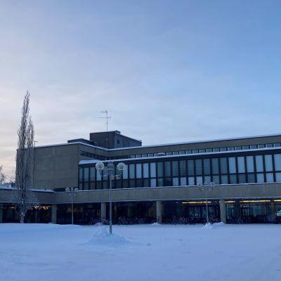 Madetojan lukio Oulussa.