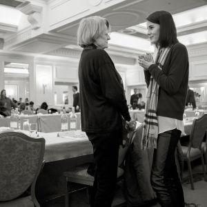 Maggie Smith (Violet Crawley) ja Michelle Dockery (Lady Mary) 6. kauden ensimmäisissä lukuharjoituksissa