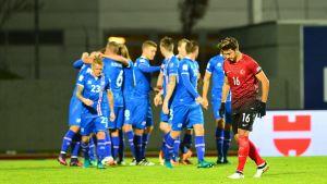 Island har tagit ledningen mot Turkiet med 2–0 strax före halvtidsvilan.