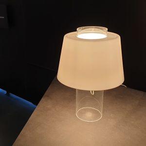 Ornon valaisimia näyttelyssä Keravalla.
