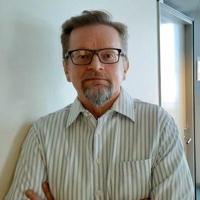 Professori Timo Rothovius