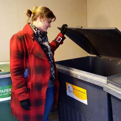 Kymenlaakson jätteen asiakaspalvelupäällikkö Virpi Leppälä