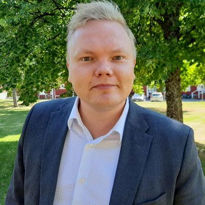 Tiede- ja kulttuuriministeri Antti Kurvinen.