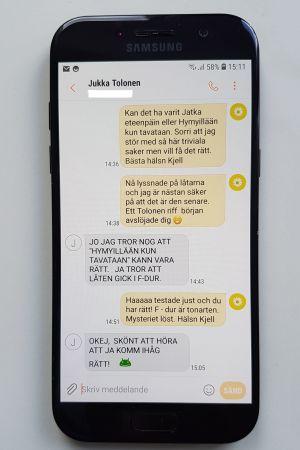Ett sms från Jukka Tolonen där han bekräftar att en låt han spelade in 1967 går i F-dur.
