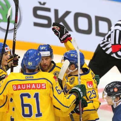 Sverige slog Finland i ishockey i Channel One Cup i Moskva 2016.