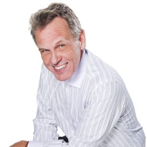 En leende Benny Törnroos