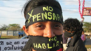 """""""Nicaraguas totalförbud sätter flickors och kvinnors liv på spel. Det minsta regeringen borde göra är att följa Chiles exempel och tillåta den terapeutiska aborten."""""""