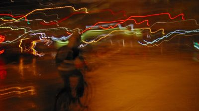 Cyklist om natten.