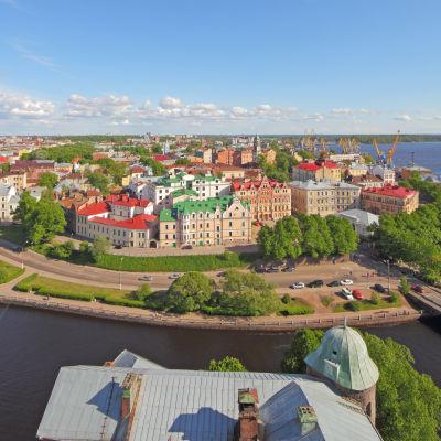 Vy över Viborg från Sankt Olofs torn på Viborgs slott.