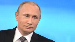 Vladimir Putin besvarade ryssarnas frågor i den årliga direktsända tv-showen den 16 april 2015.